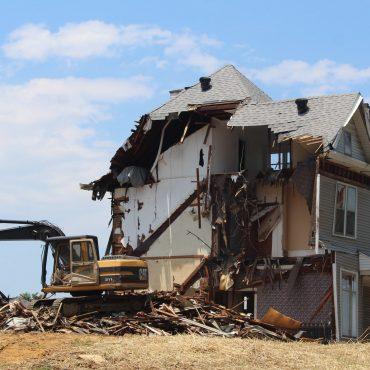 demolish a house